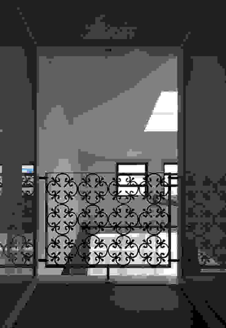 S☆邸 オリジナルスタイルの 玄関&廊下&階段 の 株式会社アマゲロ / amgrrow Co., Ltd. オリジナル