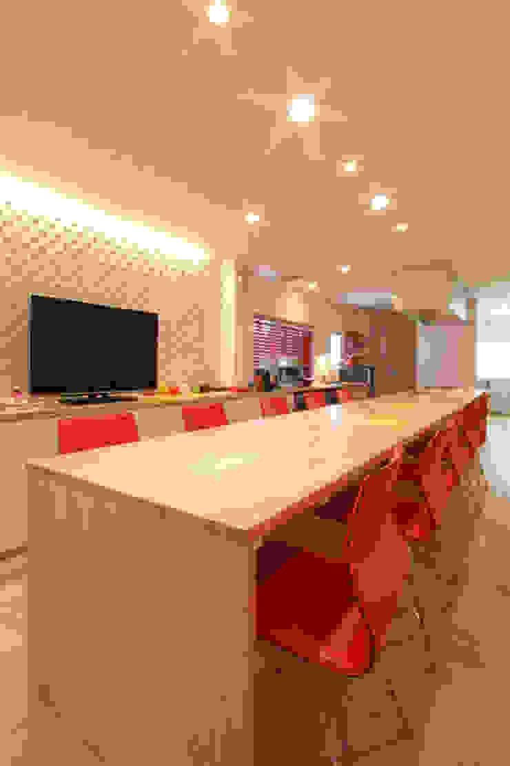 U邸 renovation オリジナルデザインの リビング の 株式会社アマゲロ / amgrrow Co., Ltd. オリジナル