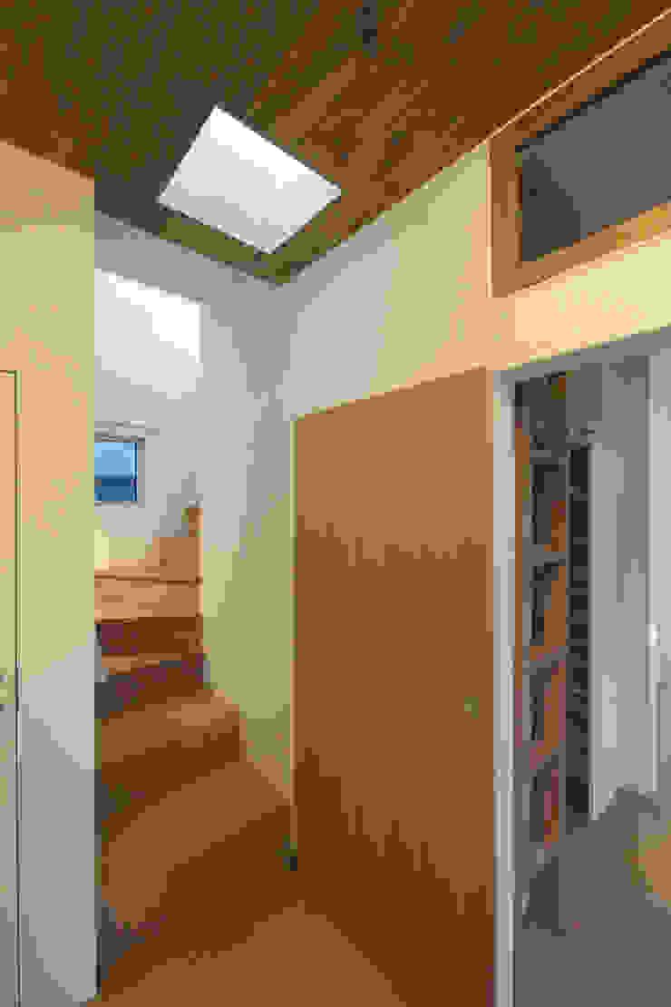等々力の家 北欧スタイルの 玄関&廊下&階段 の アトリエ スピノザ 北欧