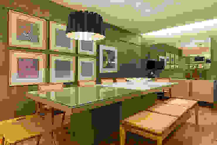 Salas de estilo moderno de Flaviane Pereira Moderno