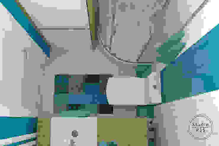 Bielany Śródziemnomorska łazienka od Studio R35 Śródziemnomorski