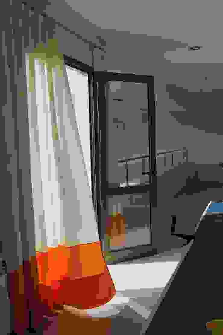 Playroom privado Salas multimedia modernas de LAS MARIAS casa & jardin Moderno
