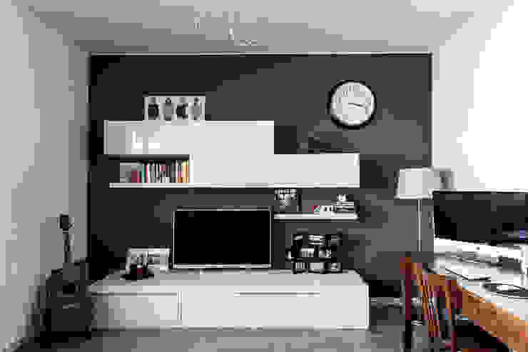 Salones de estilo moderno de Bartolucci Architetti Moderno