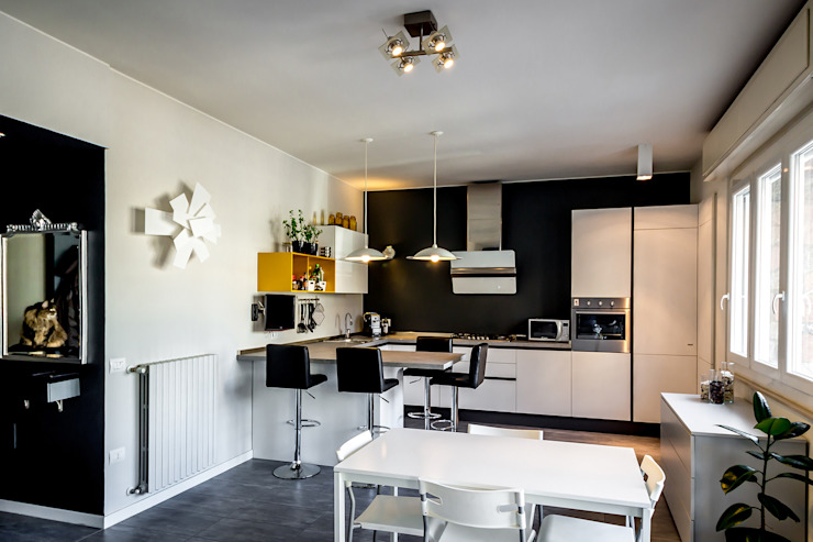 Cucina open space Cucina moderna di Bartolucci Architetti Moderno