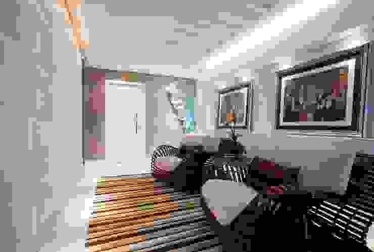 Hall de entrada / circulação: Corredores e halls de entrada  por LimaRamos & Arquitetos Associados,