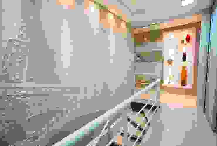 LimaRamos & Arquitetos Associados Modern Corridor, Hallway and Staircase