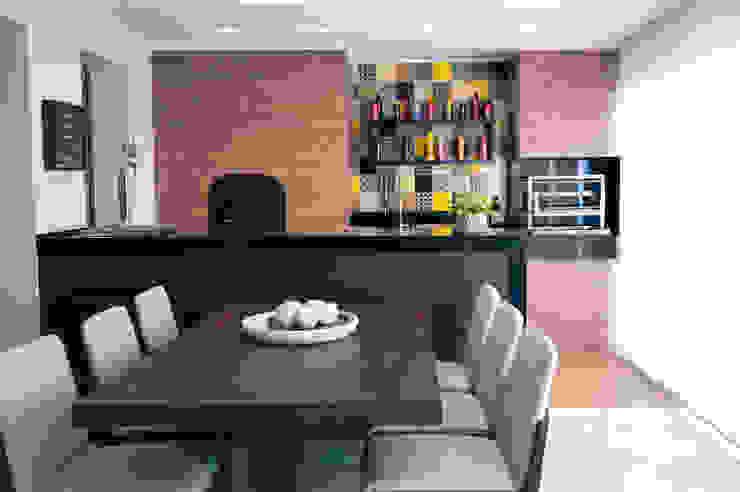 Varanda gourmet Varandas, alpendres e terraços modernos por Haus Brasil Arquitetura e Interiores Moderno