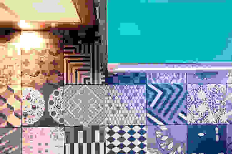 Detalhe revestimento cozinha Cozinhas modernas por Haus Brasil Arquitetura e Interiores Moderno