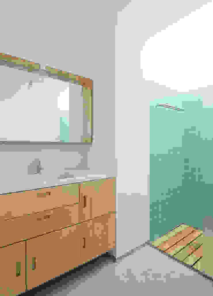 Casa GL Casas de banho minimalistas por Estudio ODS Minimalista