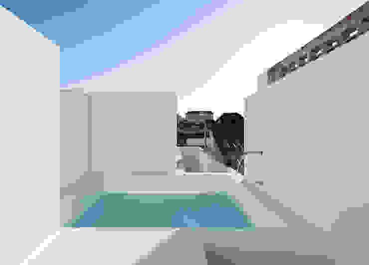 Estudio ODS Minimalist balcony, veranda & terrace