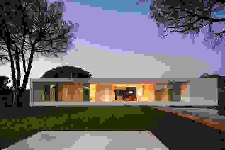 House in Melides Casas modernas por Pedro Reis Arquitecto Moderno