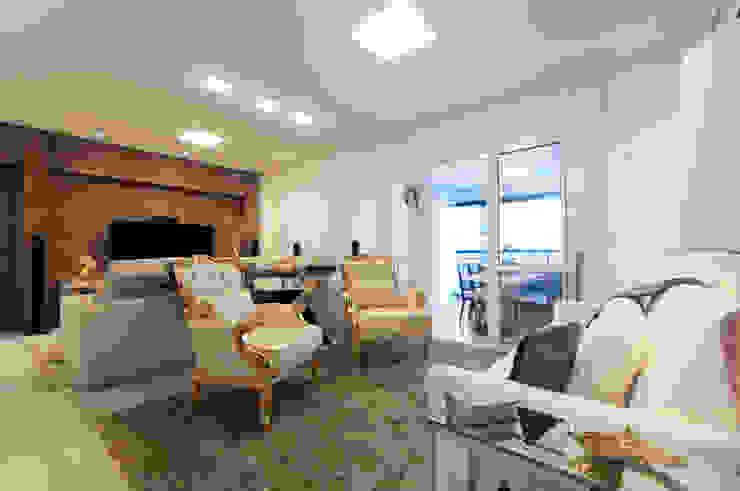 Estar Salas de estar ecléticas por Haus Brasil Arquitetura e Interiores Eclético