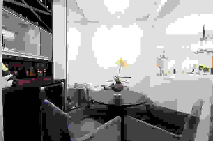 Saleta Salas de jantar ecléticas por Haus Brasil Arquitetura e Interiores Eclético