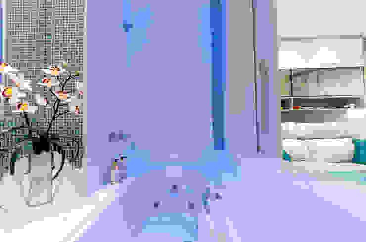 Home e SPA Salas multimídia ecléticas por Haus Brasil Arquitetura e Interiores Eclético