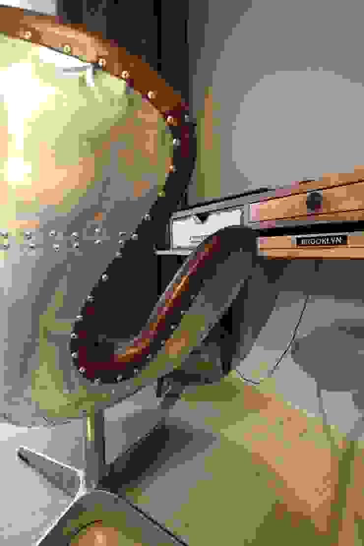 detal - fotel Industrialne domowe biuro i gabinet od projektowanie wnętrz Industrialny