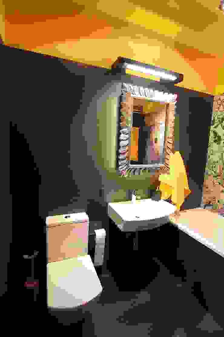 podświetlana szafka z lustrem eksponuje strukturę płytek Nowoczesna łazienka od projektowanie wnętrz Nowoczesny