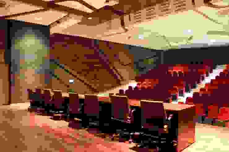 CASA DEL SERVIDOR PÚBLICO MEXIQUENSE Salas multimedia minimalistas de AR+D arquitectos Minimalista
