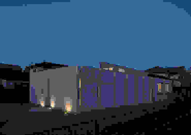 南西外観 夜景 モダンな 家 の アトリエ24一級建築士事務所 モダン