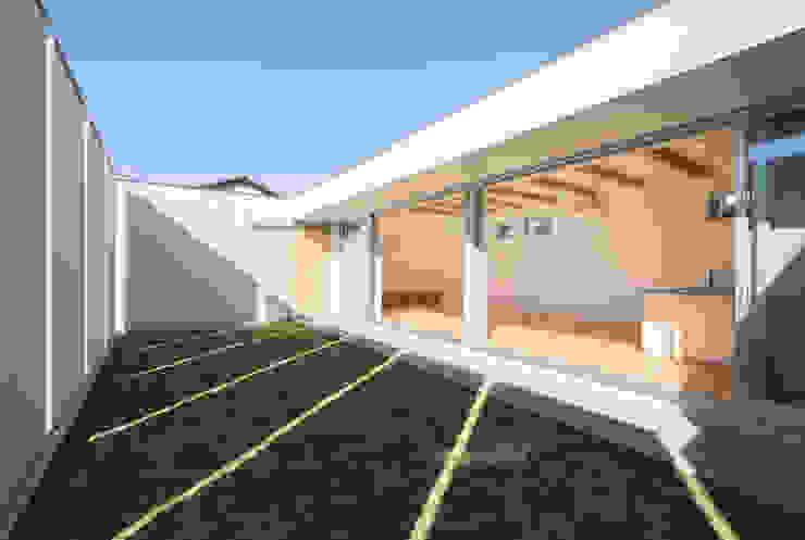 by アトリエ24一級建築士事務所 Modern