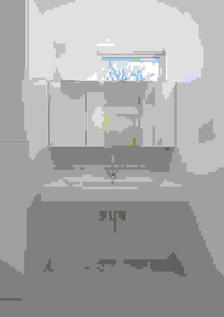洗面脱衣室 モダンスタイルの お風呂 の アトリエ24一級建築士事務所 モダン