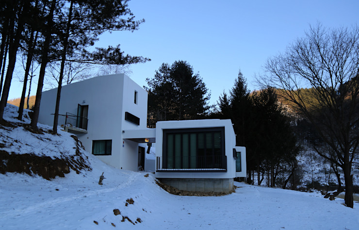 โดย IEUNG Architect โมเดิร์น
