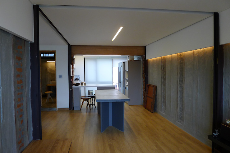 Kitchen by IEUNG Architect,