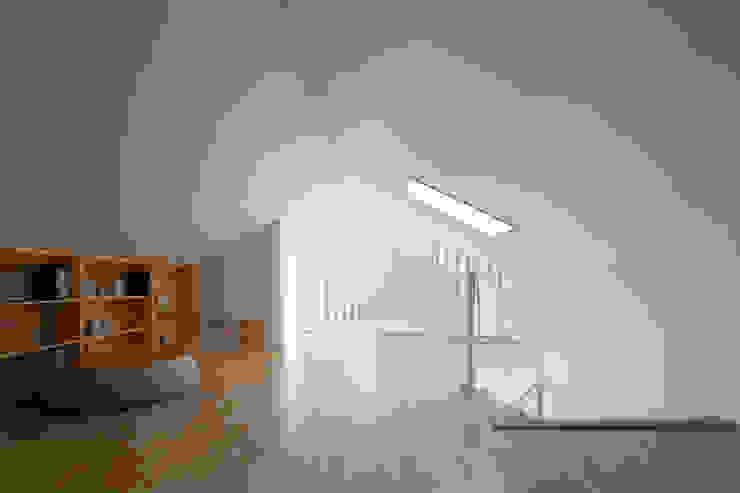 モダンデザインの 多目的室 の 리슈건축 モダン