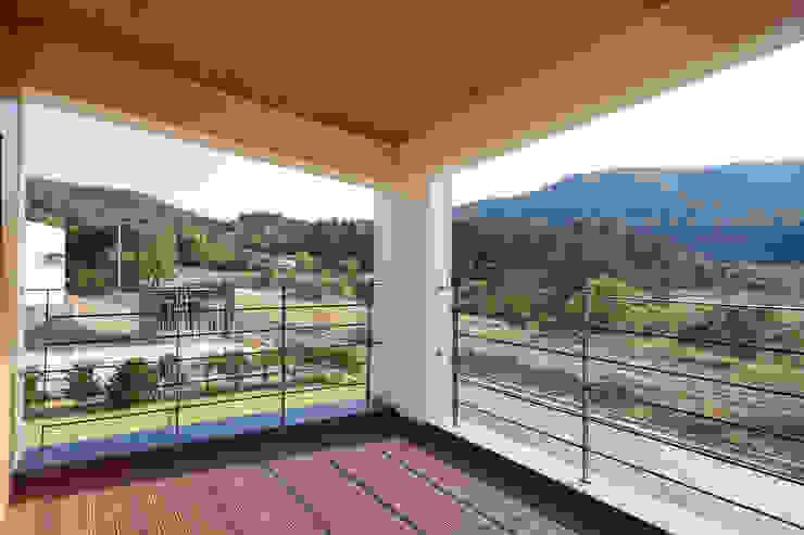 Terrazas  de estilo  por 리슈건축 , Moderno
