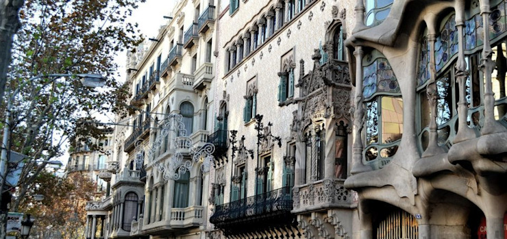 Restauración Fachada Casa Bonet en Barcelona Balcones y terrazas de estilo clásico de Estudio Arquitectura Ricardo Pérez Asin Clásico