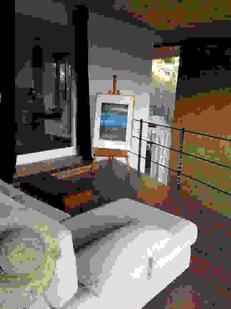 ABCDEstudio Ruang Studi/Kantor Gaya Mediteran Kayu Wood effect