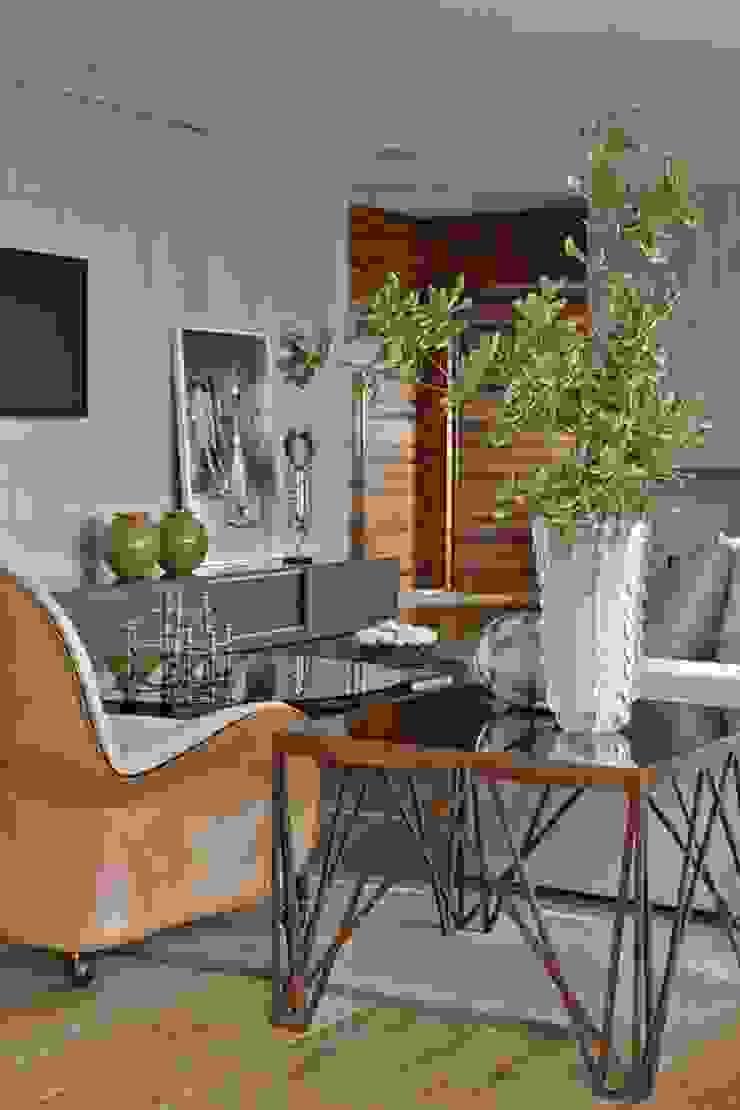 LA19 Casas modernas por David Guerra Arquitetura e Interiores Moderno