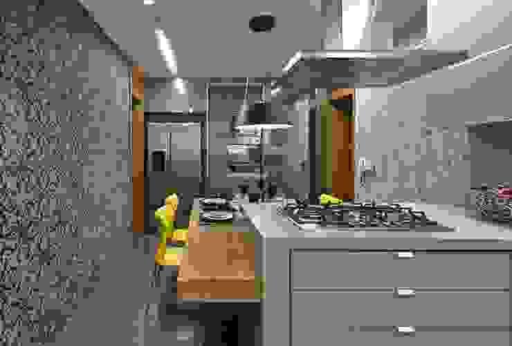 LA24 Casas modernas por David Guerra Arquitetura e Interiores Moderno