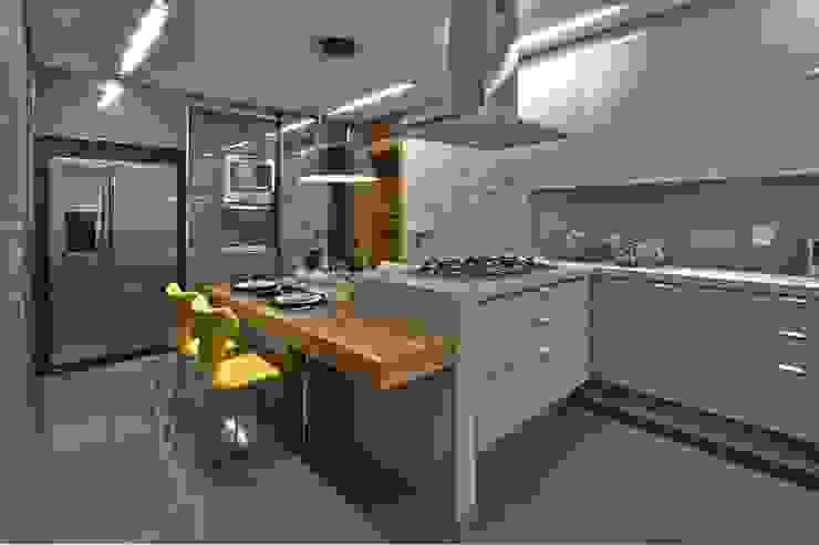 LA25 Casas modernas por David Guerra Arquitetura e Interiores Moderno
