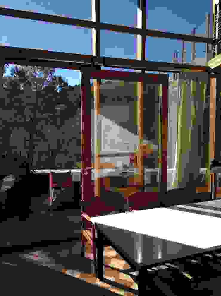 ABCDEstudio Ruang Keluarga Gaya Mediteran Kayu Wood effect