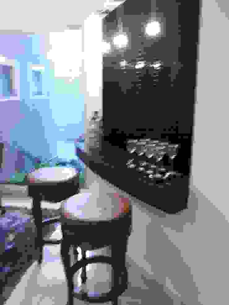 Casa Contemporânea Adegas modernas por Renata Prata Studio Moderno