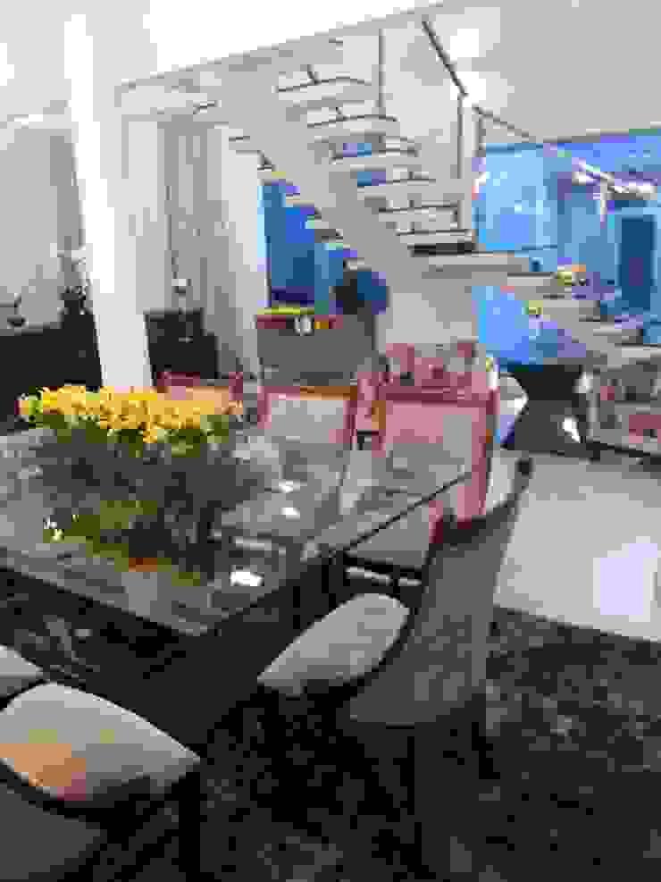 Casa Contemporânea Salas de jantar modernas por Renata Prata Studio Moderno