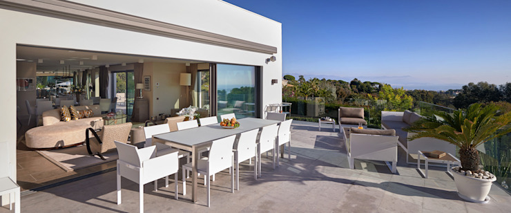 Super Cannes TLA Studio Modern style balcony, porch & terrace