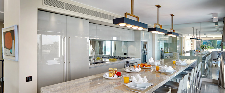 Super Cannes TLA Studio Modern style kitchen