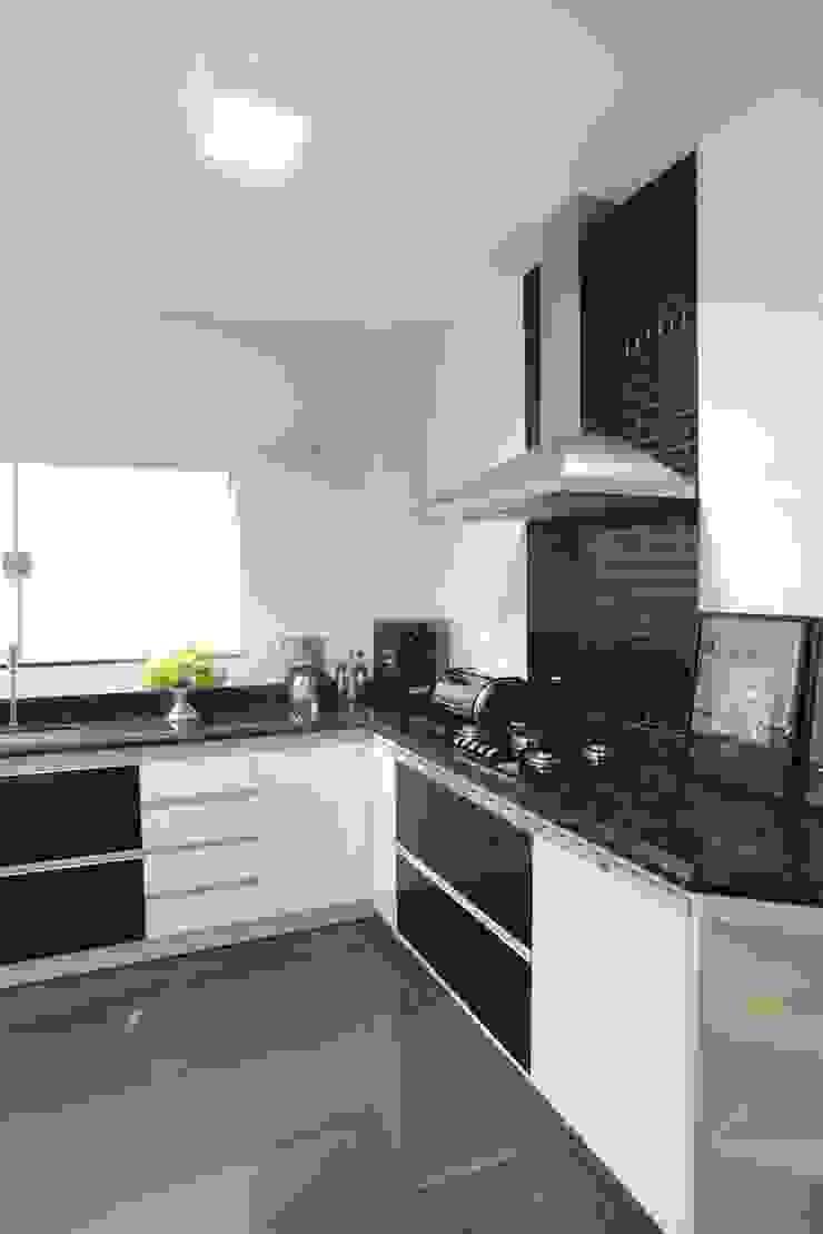 Casa Contemporânea Cozinhas modernas por Renata Prata Studio Moderno