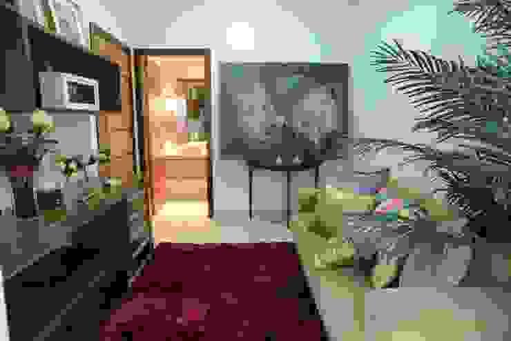 Casa Contemporânea Escritórios tropicais por Renata Prata Studio Tropical