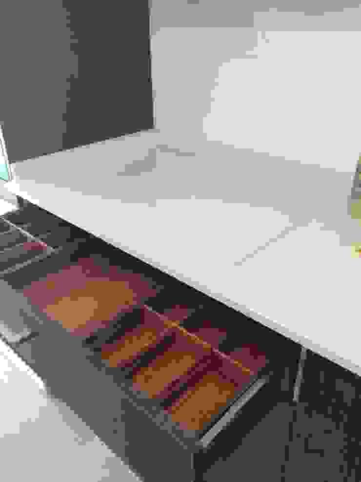 Cocina Mate ARCE FLORIDA Cocinas de estilo moderno Madera Acabado en madera