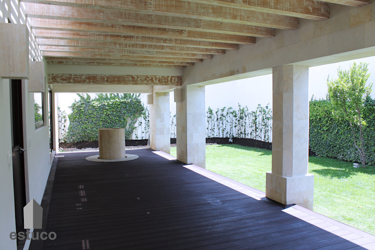 Moderner Garten von estuco construcciones y diseño Modern