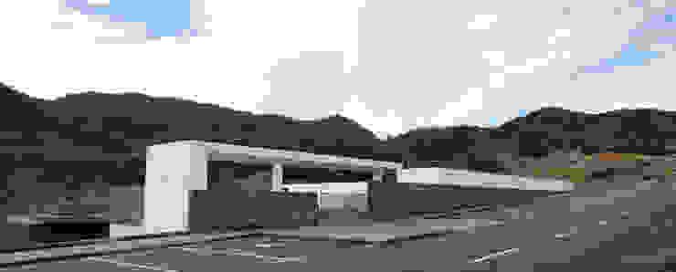Cemitério do Caniçal, Ilha da Madeira Jardins modernos por eternamente.pt Moderno