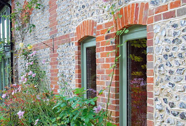 Timber Alternative Windows Country style windows & doors by ROCOCO Country Wood Wood effect