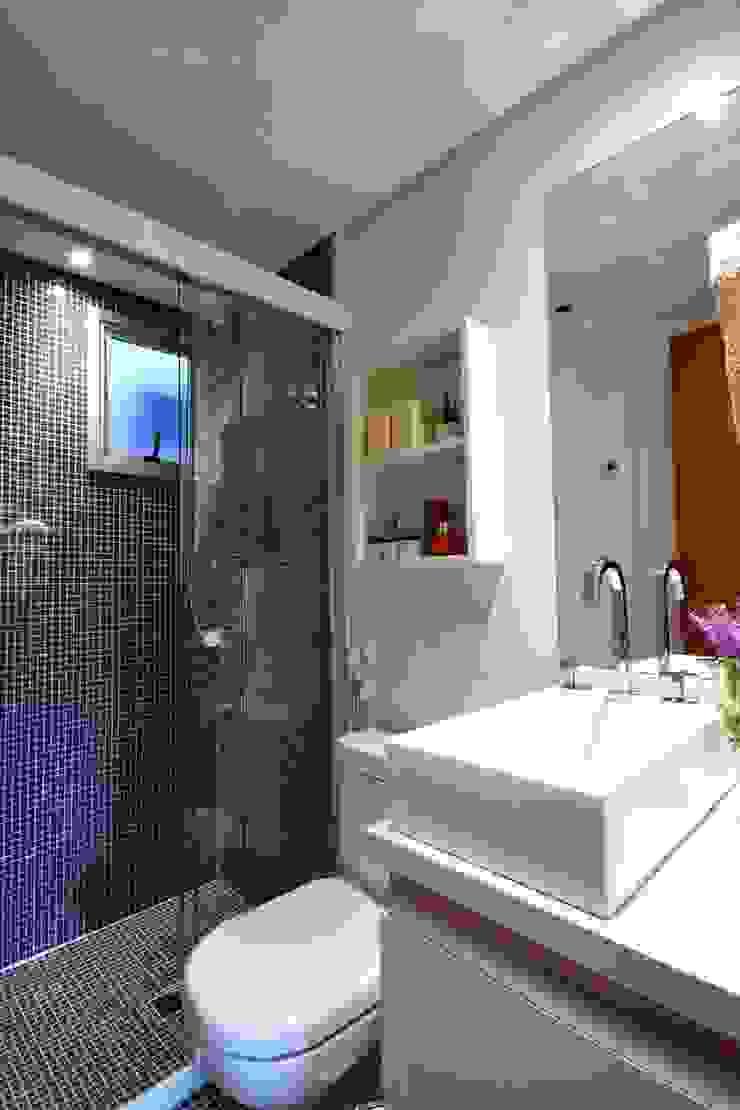 Bosque da Saúde II Banheiros modernos por MeyerCortez arquitetura & design Moderno