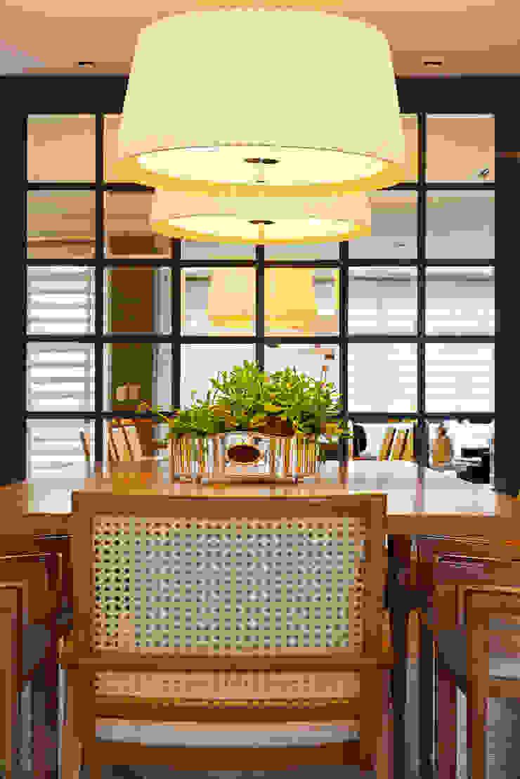 APARTAMENTO TERRAVILLE Salas de jantar modernas por Joana & Manoela Arquitetura Moderno