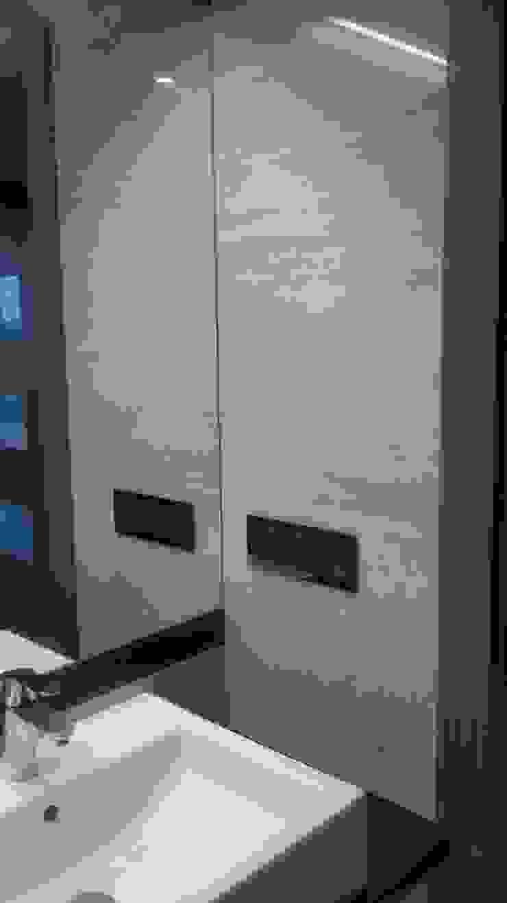 Mieszkanie dla pary Klasyczna łazienka od Denika Klasyczny