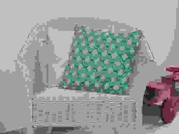 Coussin géométrique bleu turquoise à passepoil doré déhoussable 40 x 40 cm par filkanai Moderne Coton Rouge