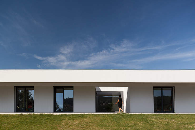 Valley House Oleh FRARI - architecture network