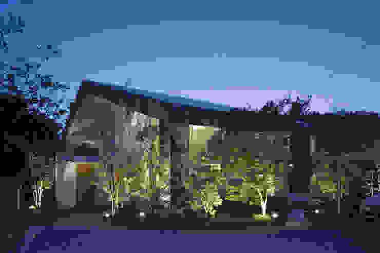 S様邸: WA-SO design    -有限会社 和想-が手掛けた折衷的なです。,オリジナル 木 木目調